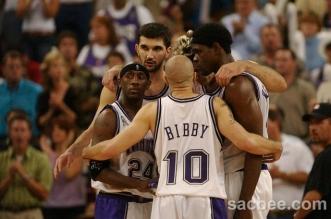 Kings_Lakers018.source.prod_affiliate.4-331x219.jpg