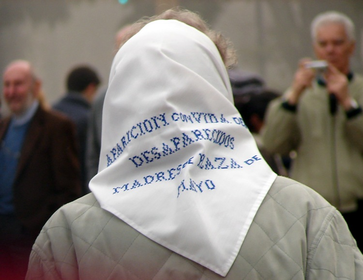 06 IMG A Mothers Head Kerchief Pineda 2007