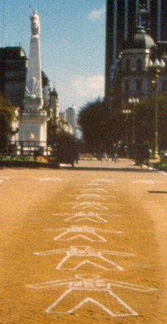 09 IMG Mothers draw Bodies Plaza de Mayo Pineda 1999